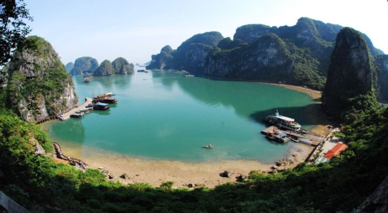 Booking Vietnam Tour with Right Tour Operator